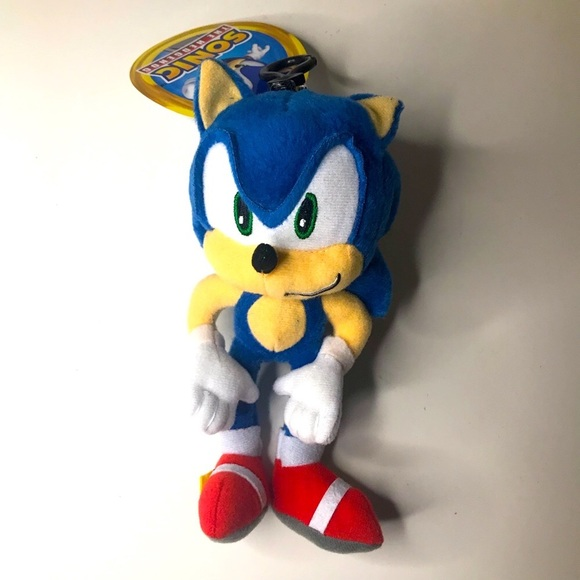 Sonic Plush NWT with clip on and zipper pouch